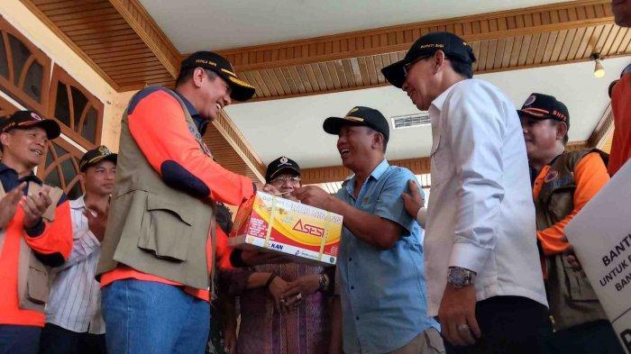 Warga Korban Banjir Bandang di Kabupaten Sigi Dapat Bantuan Rendang 200 Kilogram