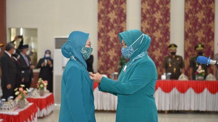 Ketua TP PKK Banggai Resmi Dilantik, Ini Pesan Istri Gubernur Sulteng