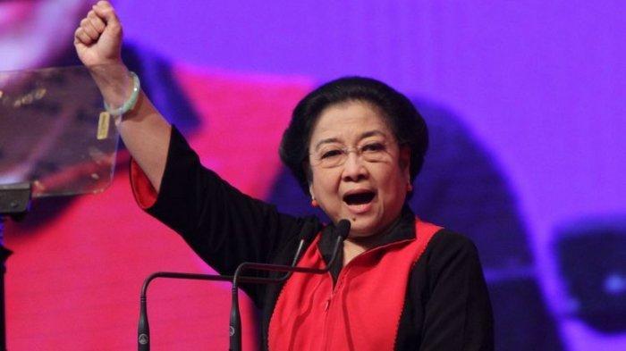 Ketua Umum PDI Perjuangan Megawati Soekarnoputri menyampaikan pidato penutupan Rakernas I PDI Perjuangan di Jakarta, Selasa (12/1/2016)