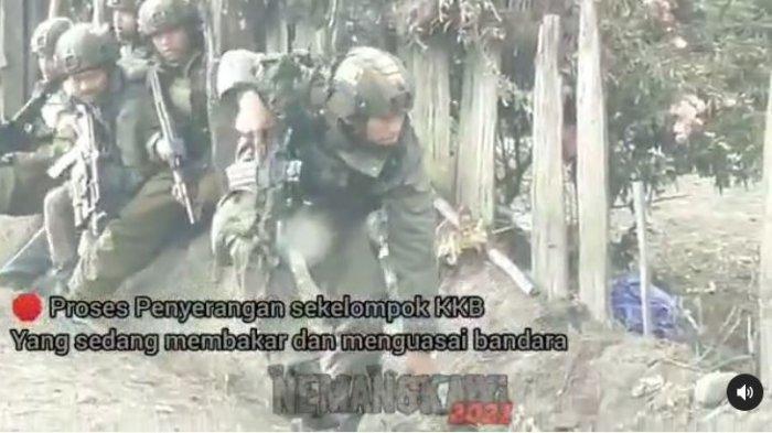 KKB Lari Tunggang Langgang Dihujani Peluru, TNI-Polri Sukses Rebut Bandara Aminggaru Papua