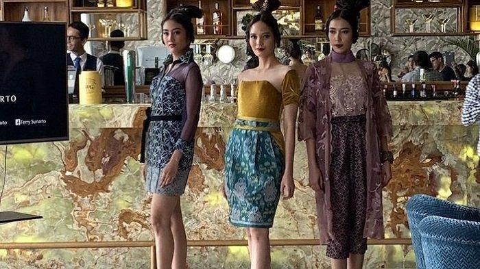 Ikut Peragaan Busana ke Moskow, Gaya Khas Sulawesi Tenggara Jadi Andalan Desainer Ferry Sunarto