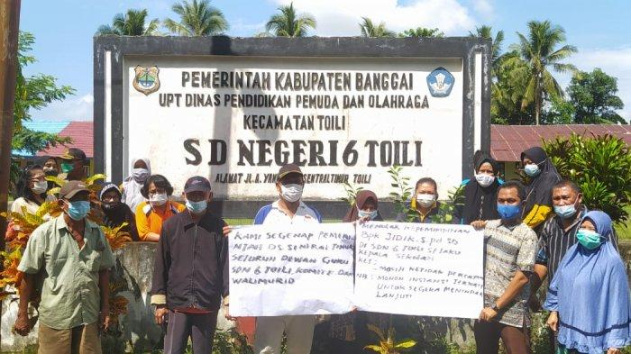 Wali Murid Demo Tuntut Kepala SDN 6 Toili Dicopot, Diduga Salahgunakan Dana BOS