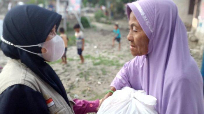 BMC Peduli Salurkan 15 Paket Sembako untuk Korban Banjir Bandang Sigi