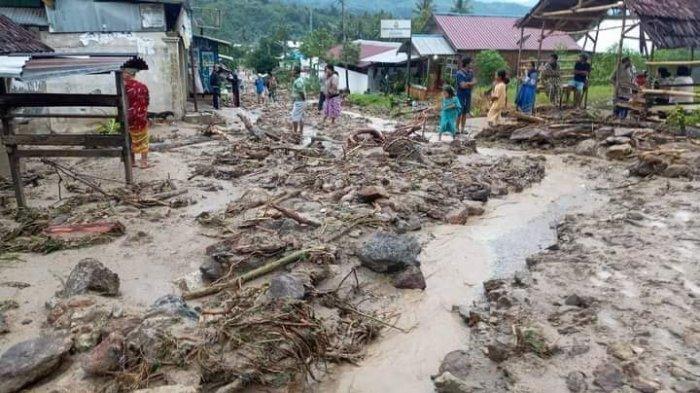 Desa Salua Sigi Kembali Diterjang Banjir, Jl Poros Palu-Kulawi Tertutup Lumpur