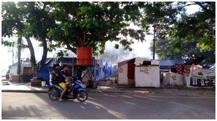Sebagian Pengungsi di Masjid Agung Menolak Direlokasi