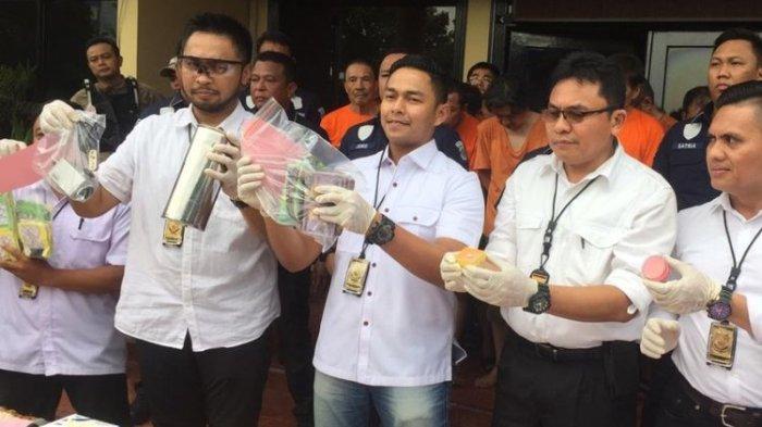 Polisi Bongkar Kasus Perjudian di Food Court Mal Season City