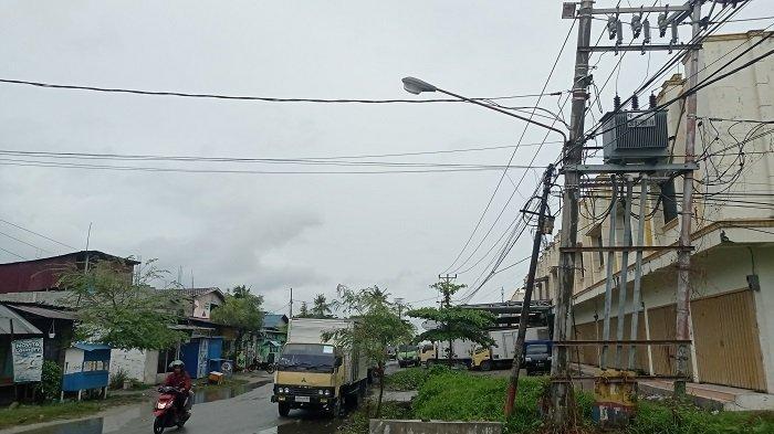 Rusak Hampir 3 Bulan, Warga Jl Rajamoili Keluhkan Lampu PJU di Kelurahan Besusu Barat