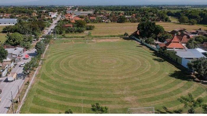 Viral Motif Rumput Lapangan Desa Teloyo Klaten Seperti Lapangan di Eropa, Hasil Kreativitas Warga