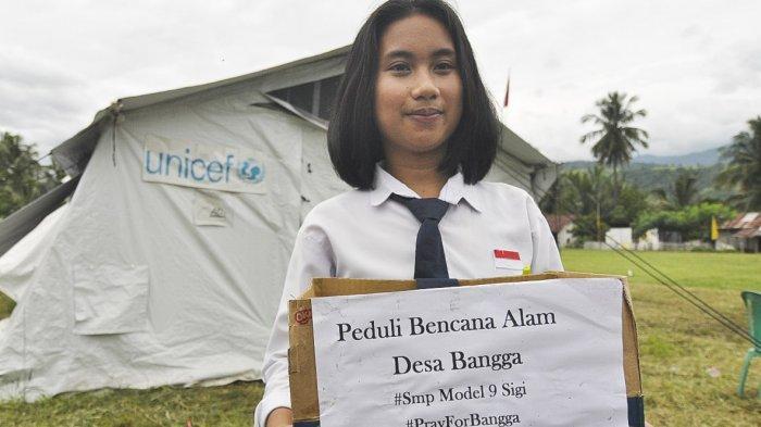 Demi Ringankan Korban Banjir di Bangga, Siswi SMP Model 9 Sigi Ini Setiap Hari Rela Menggalang Dana