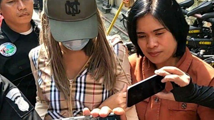 Usai Jalani Tes di BNN, Lucinta Luna Tertunduk Lesu dan Tak Mau Buka Suara di Depan Media