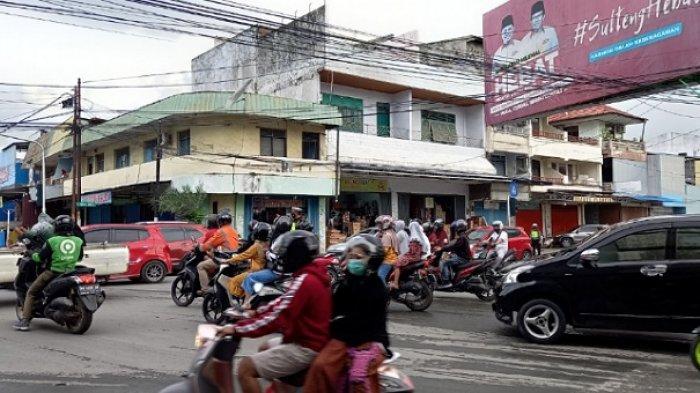Persimpangan Jl Gajah Madah - Teuku Umar Kota Palu Macet Jelang Buka Puasa