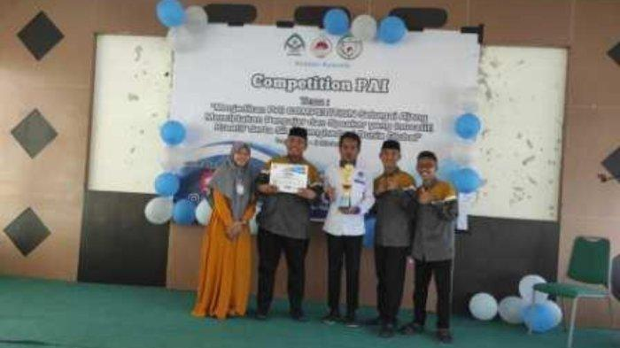 3 Mahasiswa Unismuh Palu Juara Satu Lomba Pidato 3 Bahasa