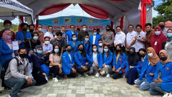 Puluhan Mahasiswa Untad Palu Ikuti Vaksinasi Gratis di Polda Sulteng