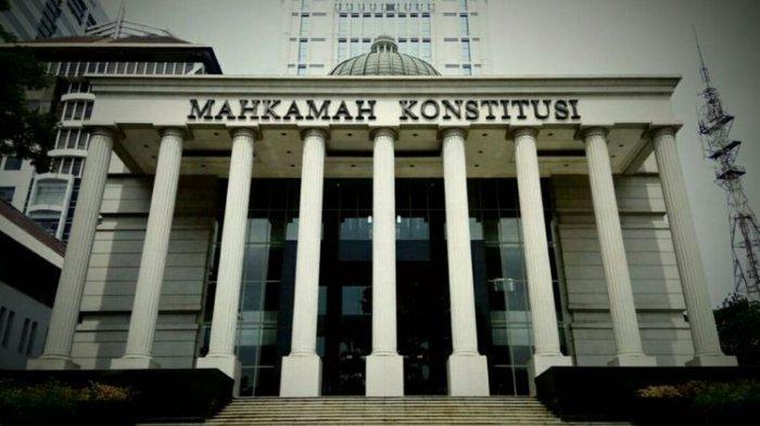 UU Cipta Kerja Resmi Ditanda Tangani Presiden, Empat Pihak Ini Ajukan Uji Materi ke MK