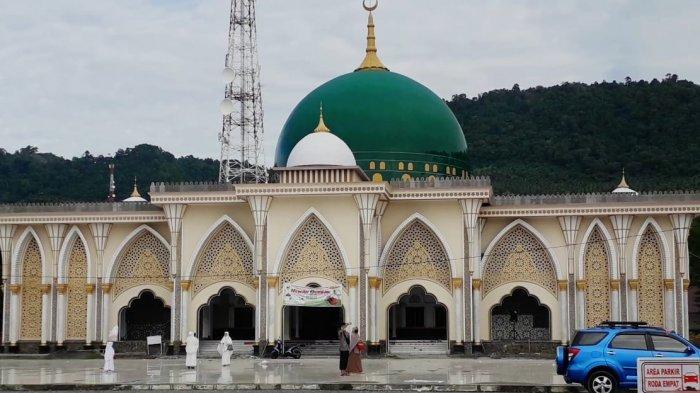Masjid Agung Luwuk Gelar Salat Iduladha dan Sembelih Hewan Kurban