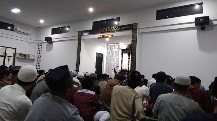 Salat Tarawih Pertama, Masjid Al-Munawwarah di Palu Terapkan Protokol Kesehatan