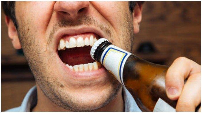 Lima Kebiasaan yang Dapat Merusak Kesehatan Gigi