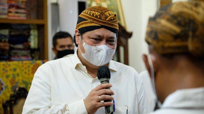 Menko Airlangga lakukan kunjungannya ke pelaku usaha batik di Kota Pekalongan, Kamis (16/09) (handover)