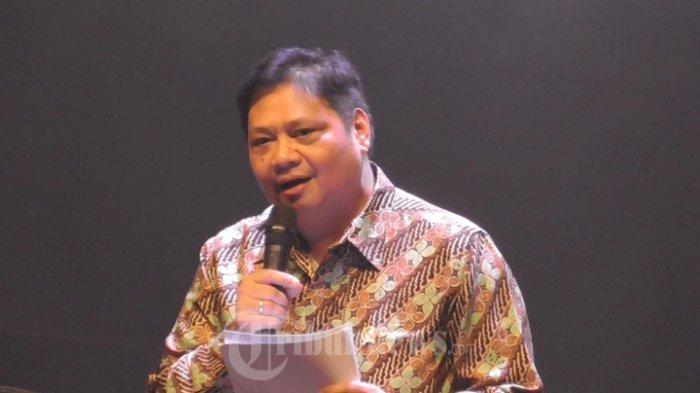 Menteri Perindustrian RI, Airlangga Hartarto menghadiri acara perayaan ulang tahun Bukalapak ke 7 di Balai Kartini, Jl. Jenderal Gatot Subroto, Jakarta Selatan, Selasa (10/1/2017). Dalam sambutannya, ia berharap para fasilitator jual-beli digital bisa meningkatkan jumlah pelaku Usaha Kecil Menengah (UKM).