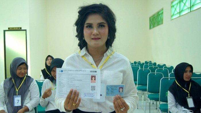 Masih Pakai Riasan Lengkap, Wanita Ini Tinggalkan Resepsi Perkawinan Ikuti Tes SKD Kemenag