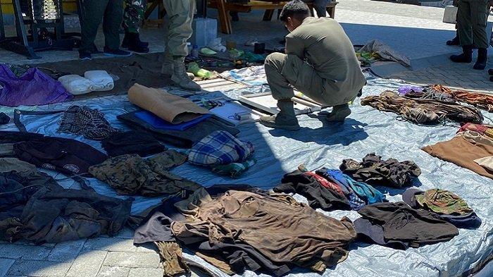 Barang bukti disita berupa amunisi dan logistik, di antaranya alat komunikasi, potongan baju, perlengkapan masak, peluru dan senjata tajam.