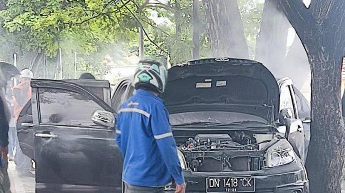Toyota Rush Berasap Bikin Panik Warga Depan Depot Pertamina Luwuk Banggai