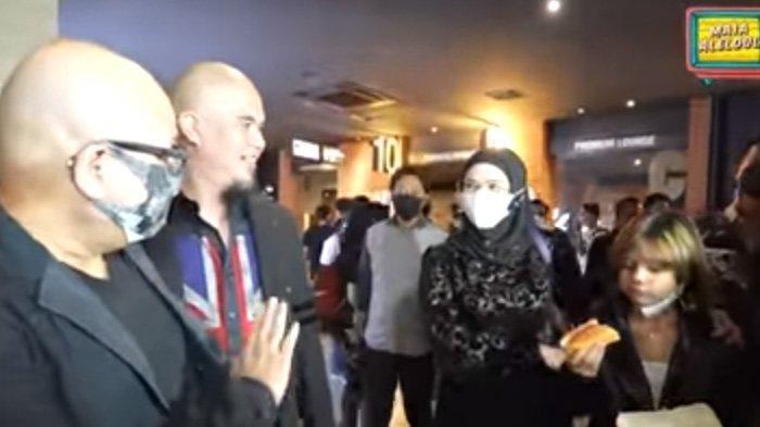 Reaksi Ahmad Dhani saat Disapa Irwan Mussry, Merangkul Lalu Kenalkan Dua Anaknya dengan Mulan