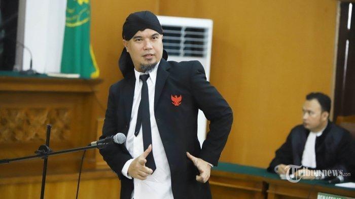 Ahmad Dhani Beri Jawaban Keras saat Ditantang Jerinx untuk Diskusi Soal Konspirasi Agama: Udah Diam!