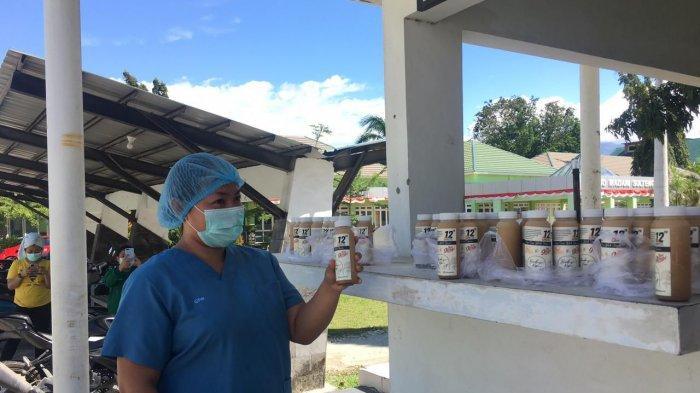 Esperto Barista Course Anniversary Ke-12, Kopi A'Robi Bagikan 50 Botol Minuman ke Nakes RSUD Madani