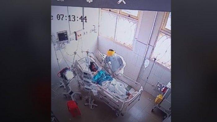Mengharukan, CCTV Rekam Nakes Rawat Ibunya yang Positif Covid-19 hingga Ajal Menjemput