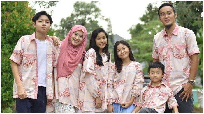 Keluarga Okie Agustina dan Gunawan Dwi Cahyo.