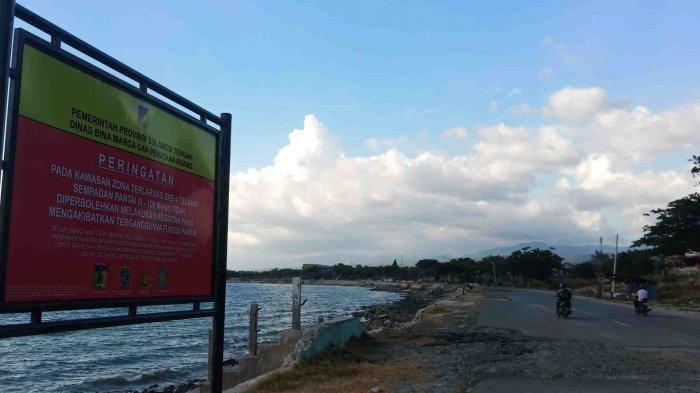 Sulteng Bergerak: Pemerintah Tak Punya Dasar Hukum Larang Warga Beraktivitas di Pantai Teluk Palu