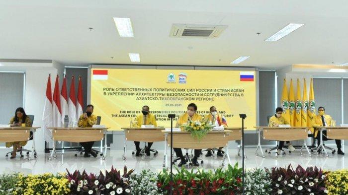 Partai politik dari negara ASEAN menggelar forum meja bundar bersama United Russia Party atau Partai Rusia Bersatu, Selasa (29/6).