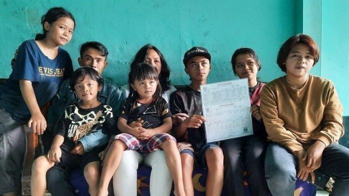 Cerita Pasutri di Malang Miliki 16 Anak, Menikah di Usia 12 Tahun, Kini Terancam Tak Punya Rumah