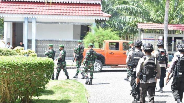 TNI-Polri Sisir Kota Luwuk Jelang Pelantikan Bupati Banggai, Ini Targetnya
