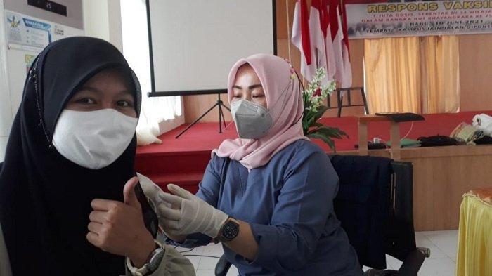 Pelaksanaan vaksinasi Covid-19 di IAIN Palu Jl Diponegoro Nomor 23, Kelurahan Lere, Kecamatan Palu Barat, Kota Palu, Sulawesi Tengah, Rabu (30/6/2021) siang.