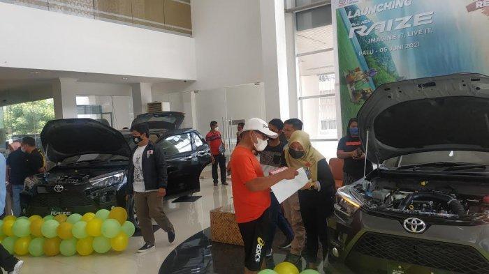 Hasjrat Toyota Cabang Palu meluncurkan All New Raize di kantornya, Jl Abdurrahman Saleh, Kecamatan Palu Selatan, Kota Palu, Sulawesi Tengah, Sabtu (5/6/2021).