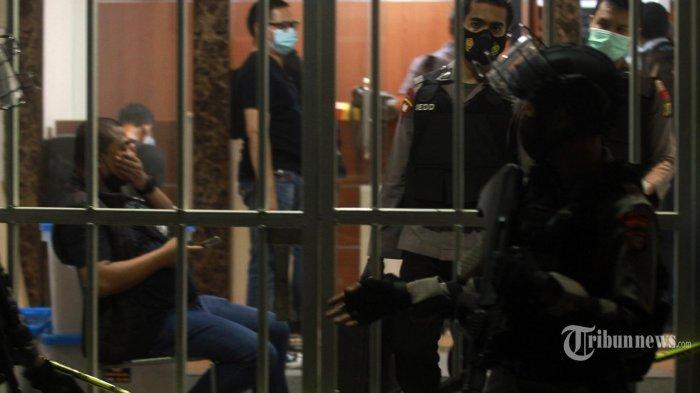 Kuasa Hukum Munarman Sebut Bahan Berbahaya yang Ditemukan Polisi di Eks Markas FPI adalah Detergen