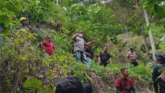 Pencarian terhadap Nugi Rantaola anak laki-laki berusia 3 tahun di Desa Tolambo, Kecamatan Pamona Tenggara, Kabupaten Poso.
