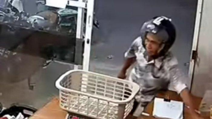 Pria Terekam CCTV Curi HP di Laundry Jl Kijang Raya Palu, Begini Cirinya