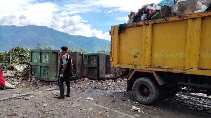Penjelasan DLH Palu Soal Keterlambatan Pengangkutan Sampah di Jl Raja Moili