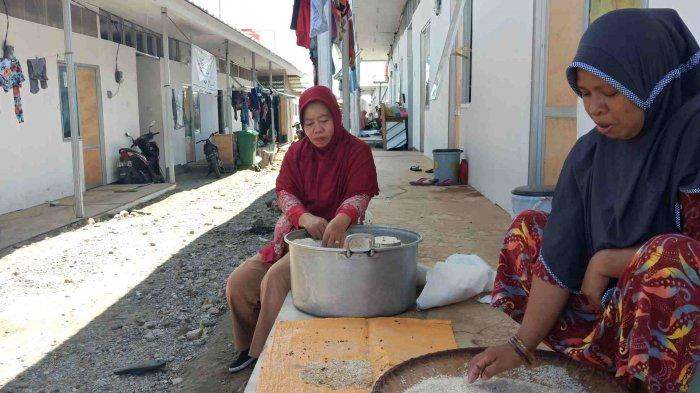 Pengungsi di Huntara Petobo Berharap Segera Pindah ke Hunian Tetap