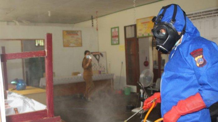Penyemprotan Disinfektan di Poso, Brimob Batalyon B Pelopor Sasar Kantor Lurah dan Bilik ATM