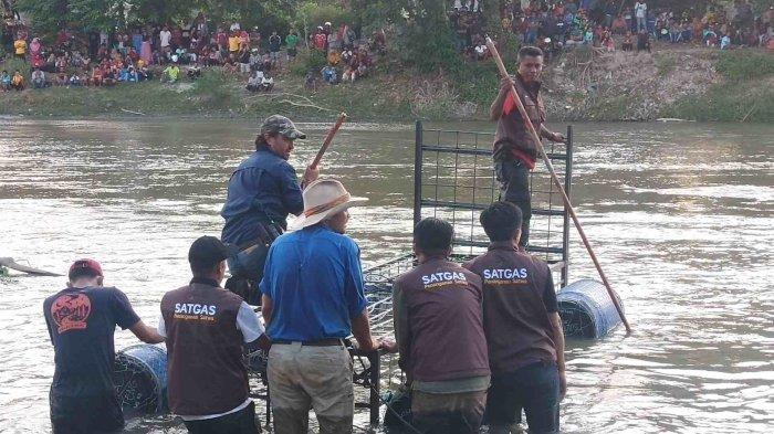 Ahli Buaya Asal Australia Pasang Perangkap Besi untuk Penyelamatan Buaya Berkalung Ban di Palu