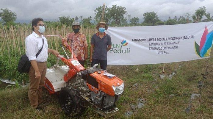 PLN UP3 Palu Serahkan 2 Unit Hand Traktor,Bantu Petani di Kawatuna Garap Lahan Lebih Luas