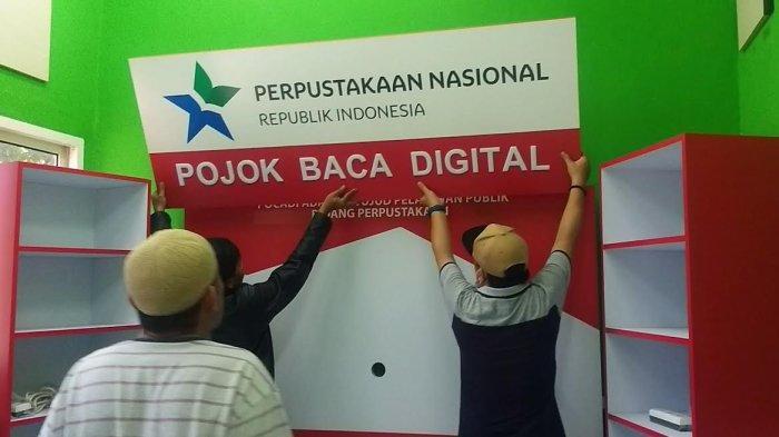 Dinas Perpustakaan Palu Dirikan Pojok Baca Digital di Lapangan Vatulemo