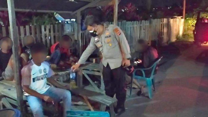 Sekelompok Pemuda di Luwuk Dibubarkan saat Lagi Asyik Miras