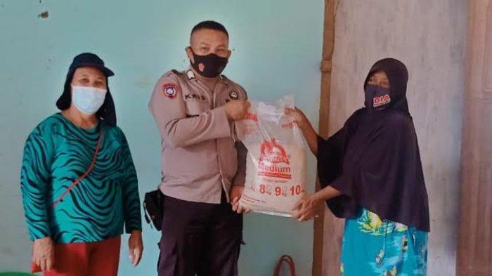 Pastikan Tepat Sasaran, Polres Morowali Utara Kawal Penyaluran Bansos ke Warga