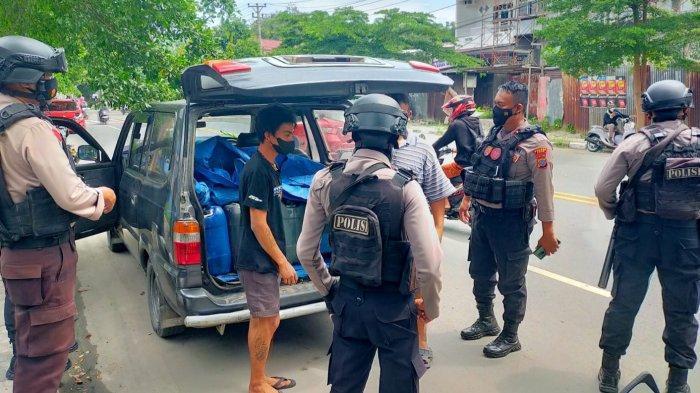 Dua Warga Kancil Diamankan Polisi karena Kedapatan Bawa 10 Jeriken Saguer