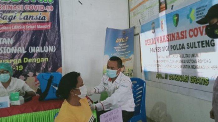 Polres Sigi Kawal Vaksinasi Covid-19 ke Warga Kecamatan Palolo
